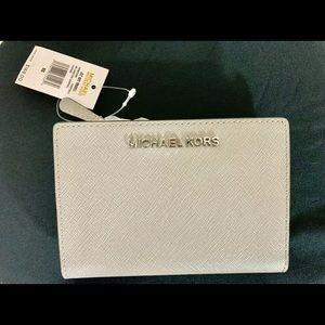 Michael Kors Jet Set Travel 2 In 1 Leather Wallet